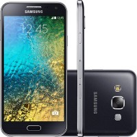 Smartphone Samsung 2 Chips Android 4 Tela HD 5 16gb Wifi 3G Cam 8MPX Série 5